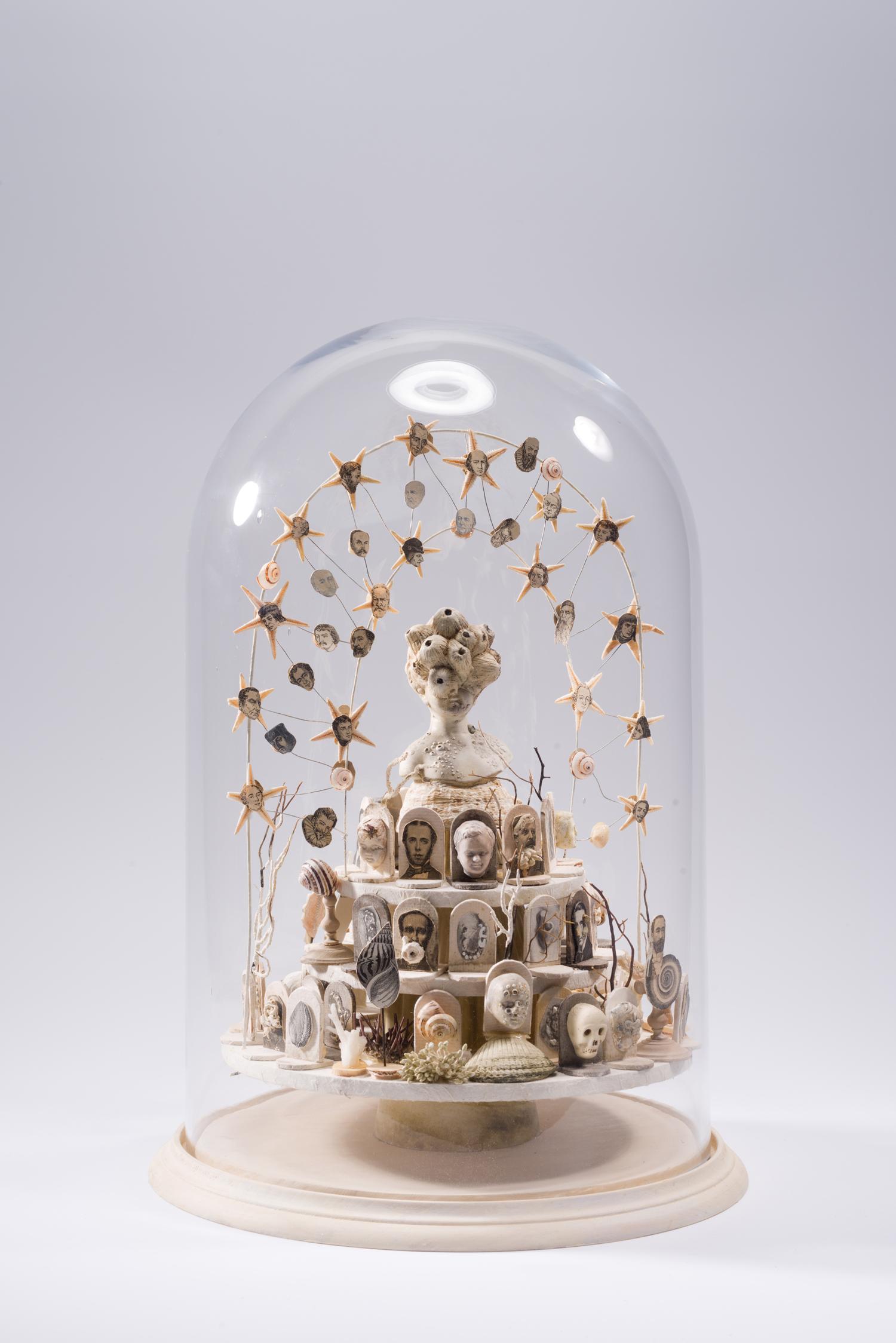 Les cathédrales les plus énormes ne laissent sortir qu'une foule informe de fourmis | Maïssa Toulet | Les cathédrales les plus énormes ne laissent sortir qu'une foule informe de fourmis